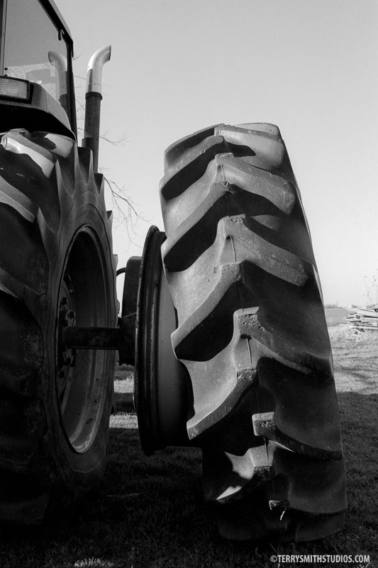 Tractor Tire, Arkansas Farm series